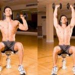 Dumbbell Shoulder Press; traint de hele schouder