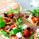 Pizza gerookte kip met feta